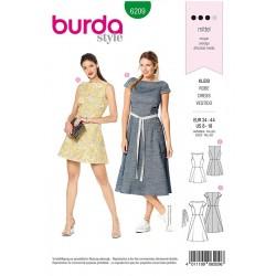 Patron Burda 6209 Robe Avec Une Jupe Evaée - Encolure Bateau