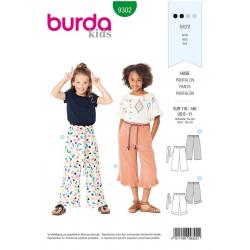 Patron Burda 9302 Kids Pantalon A Coulisse Elastiquee - Pantacourt - Longueur 7/8