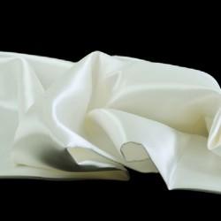 Tissu Satin Uni Blanc Casse L150