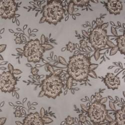 Tissu Fleurs Brodées sur Tulle Taupe