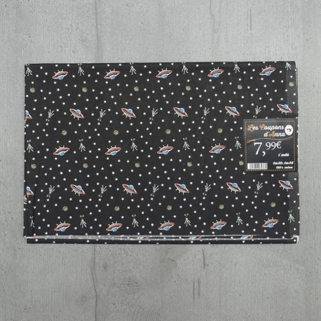 Coupon de Tissu Anna Soucoupes Volantes Fond Noir 140x145 cm