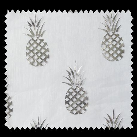 Tissu organza ananas argent fond blanc tissus des ursules for Ananas deco argent