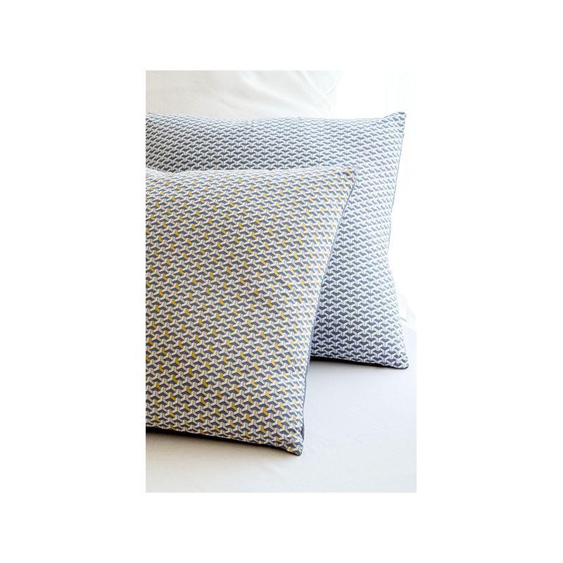 tissu facette imprim argent tissus des ursules. Black Bedroom Furniture Sets. Home Design Ideas
