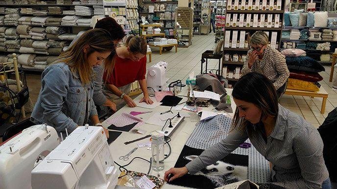 Atelier de Couture dans le magasin Le Maison d'Ursule à Carcassonne